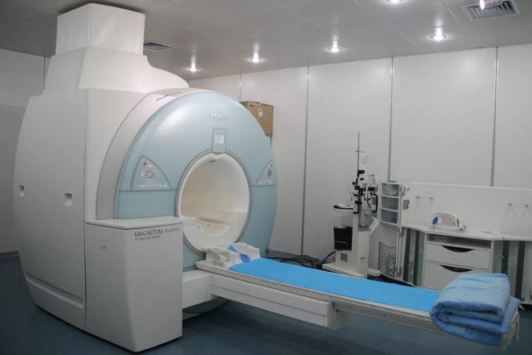 核磁共振仪器
